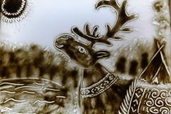 Шиловская Алена рисовала саамскую сказку «Гирвас-озеро».